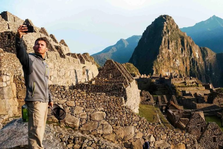 sim card to have internet on your trip to peru