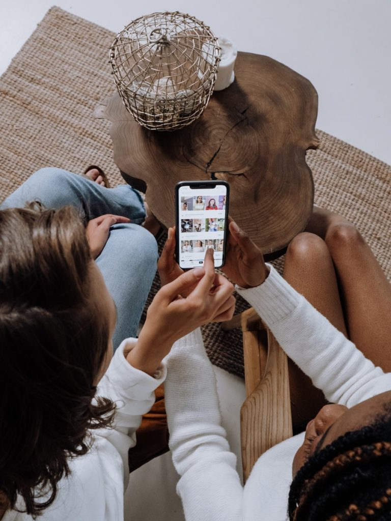 Keep your data SIM card handy to be always connected to the Internet.